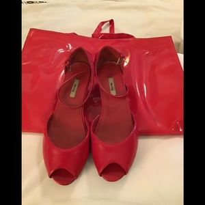 Red faux patten leather wedge heels and bag